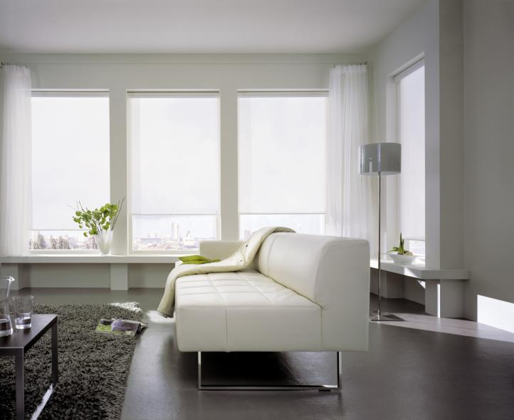 Cortina rolô: modelo versátil para diversos ambientes