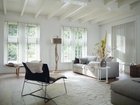Living con persianas de madera Country Woods