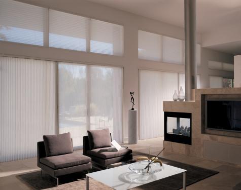 Crea un living contemporáneo con Cortina Duette HunterDouglas